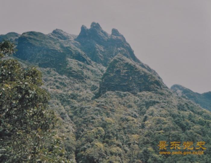 无量山,古称蒙乐山,南诏时称南岳,属横断山脉云岭余脉,点苍山